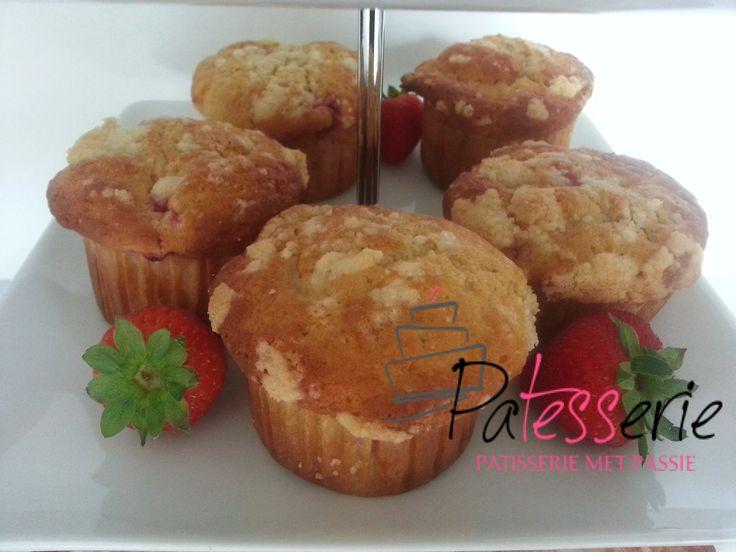 """<input class=""""jpibfi"""" type=""""hidden"""" ><p>Muffins zijn altijd leuk om te maken en bovendien snel klaar, zonder allerlei lastige technieken. Deze muffins vulde ik met stukjes aardbei, maar je kunt natuurlijk ook ander fruit gebruiken. De kruimellaag er bovenop zorgtvoor een lekker krokant laagje. Ingrediënten Voor de muffins 200 gr bloem ½ tl bakingsoda 2 …</p>"""