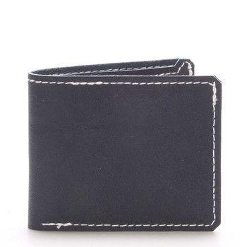 #Kabea Luxusní černá pánská peněženka Kabea z té nejkvalitnější hovězí italské kůže. Dopřejte sobě nebo někomu blízkému luxusní dárek české výroby s jeho vyraženými iniciály! Peněženka je prošita silonovou nití, hrany peněženky nejsou nijak barevně upravovány pouze hlazeny voskem.