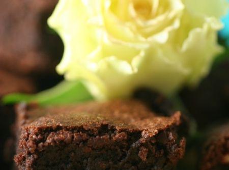 Receita de Bolo de Chocolate com Farinha de Avelãs - bolo-de-chocolate-com-farinha-de-avelas-letoile-dor-henry-le-roux-bernachon-e-pierre-herme/ ...
