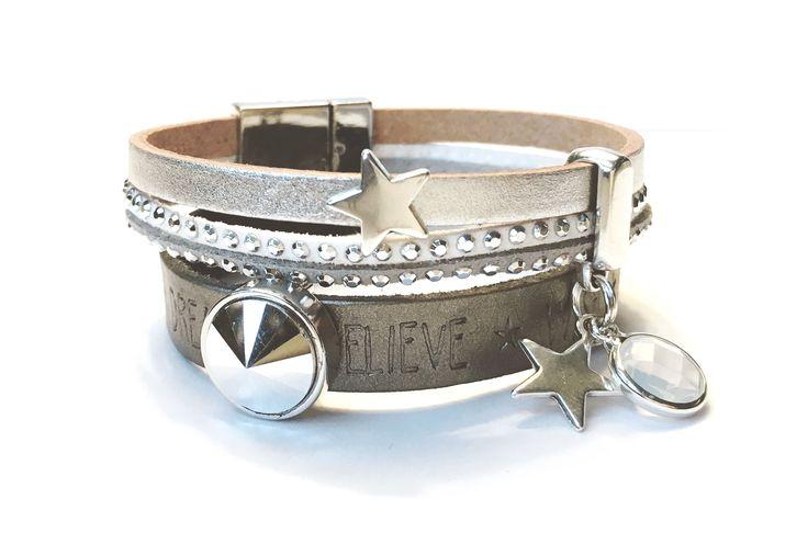 Uniek handgemaakt armbandje, bedels en bling. Donkergrijs leer met Dream * Believe quote. Zilveren magneet sluiting. Mooie zilveren bedels. Mooi in combinatie met Bling 42!