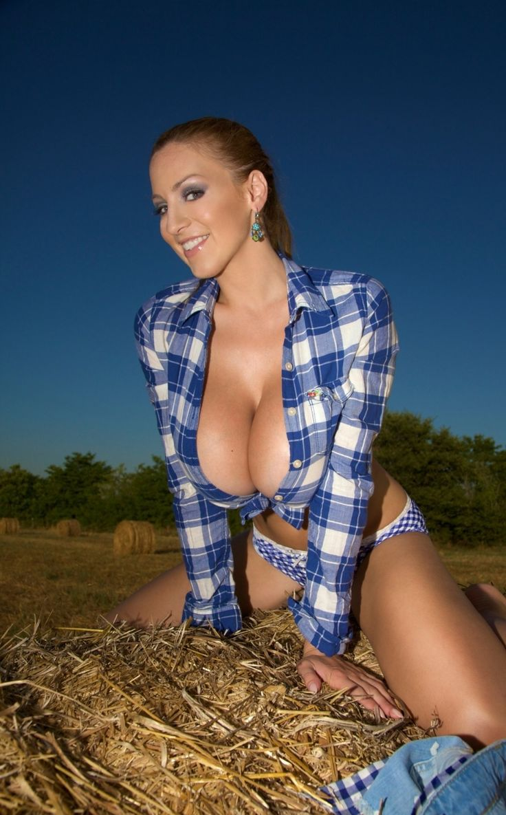 Sexy cowgirls showing boobs — photo 5