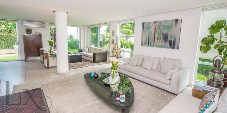 Exquisite living room in Moderno Dream - Escazú - Costa Rica http://lxcostarica.com/property/Moderno-Dream