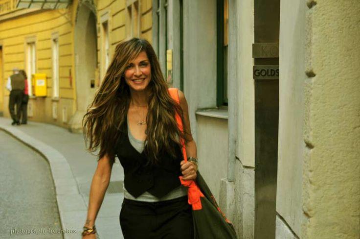 http://www.annavissilive.com/photos/anna-s-photos/biennh/