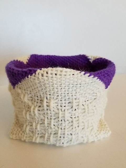 Ravelry: TexasGabi's TURTLE Hexagon Pin Loom: Lace Baskets
