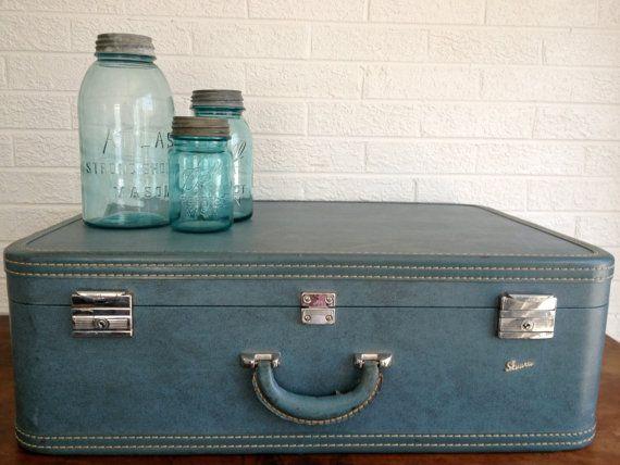 17 Best images about Decor- Vintage Suitcases on Pinterest ...