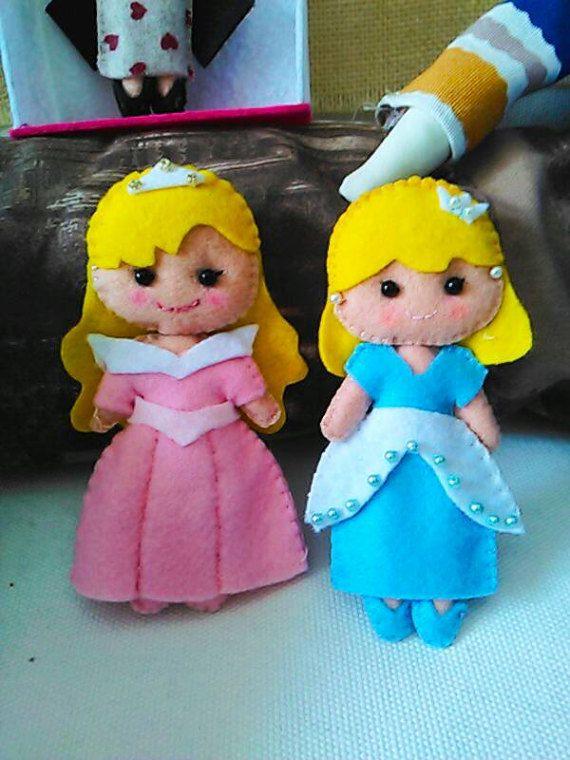 Guarda questo articolo nel mio negozio Etsy https://www.etsy.com/it/listing/505212895/bambole-fatte-a-mano-hobby-puppets