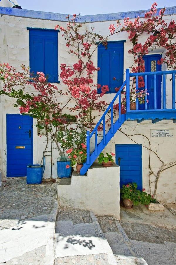 Greece Art & Architecture /  Ano Syros, Syros Island, Cyclades, Greece  researched by NEΦEΛH AΓΓΕΛΛΟΥ