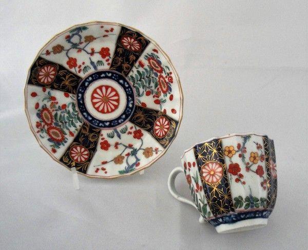 A Worcester porcelain tea cup and saucer