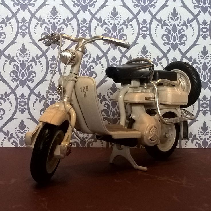 Epic Heute zeige ich Euch ein weiteres Modell aus meiner Lambretta Sammlung Die Lambretta
