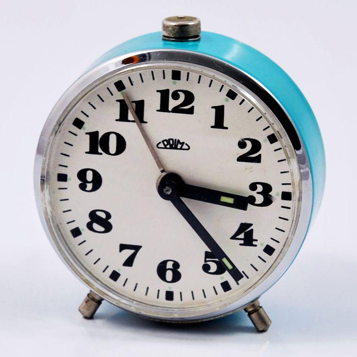 Mały budzik mechaniczny Prim, Czechosłowacja, lata 60.   Small mechanical Prim alarm clock, Czechoslovakia, 60s.   buy on Patyna.pl #Prim #Czechoslovakia #clock #small #blue #alarmclock #60s #1960s #retro #vintage #vintagefinds #decor #inspiartion #goodoldthings