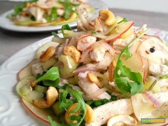 Insalata di pollo lesso mele e anacardi  #ricette #food #recipes