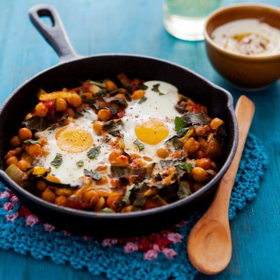 Mejores 10 imgenes de food gawker pin to win en pinterest aguas baked eggs with spiced chickpeas and chard forumfinder Images