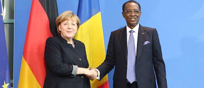 La chancelière allemande Angela Merkel et le président de l'Union africaine, Idriss Deby, le 12 octobre 2016 à Berlin, une illustration de l'intérêt continu de l'Allemagne pour le continent africain.