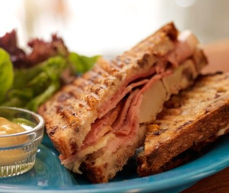 Tom Colicchio's Cheddar & Ham Sandwich Recipe - Canadian House and Home - Sweet pears and smokey ham are the perfect combination in this sandwich from Food Network Top Chef judge Tom Colicchio, co-author of the cookbook 'wichcraft.