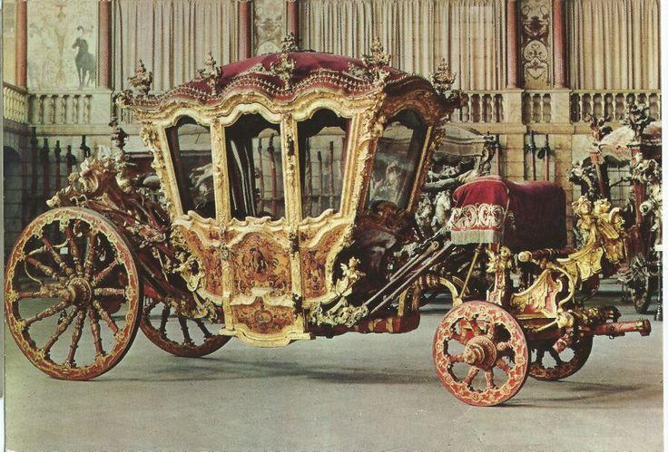 BILHETE POSTAL MUSEU NACIONAL DOS COCHES LISBOA 4 Coche do Rei João V XVIII Carroce du Jean Teen V XVIII siècle King John V's coach XVI th century