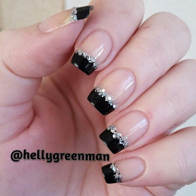 New Design French Manicure. This Would Be Pretty For Evening Wear.