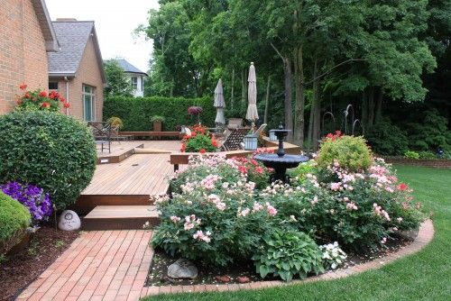 Landscaping around Decks and Patios