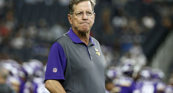 Minnesota Vikings offensive coordinator Norv Turner has abruptly resigned, replaced by Pat Shurmur