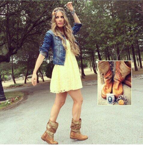Look @vanesa_romero:vestido Danity botas @karmaofcharme_ tienda online kuka and Chic,pulsera y cinta @Namdalay #blog pic.twitter.com/lsKEAzBpS3