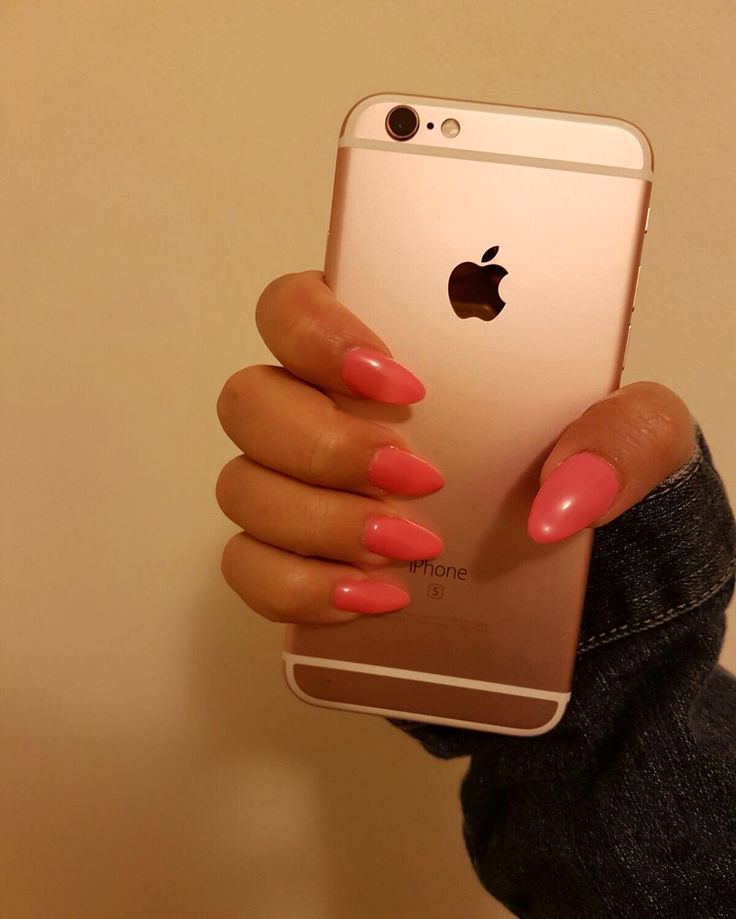Edited by me  Unghie a mandorla, ricostruzione con cartine, rosa fluo  #gel #nails #pink #fluo #iphone #iphone6s #jeans #denim #almond