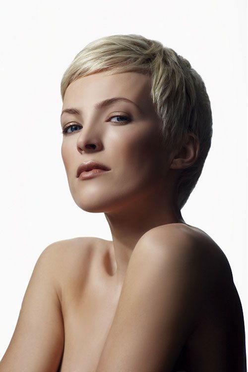 Like the mini side swept bangs // A BEAUTIFUL LITTLE LIFE: Perfect PIXIE Haircuts Part 2: 27 Perfect Classic Pixie Cuts