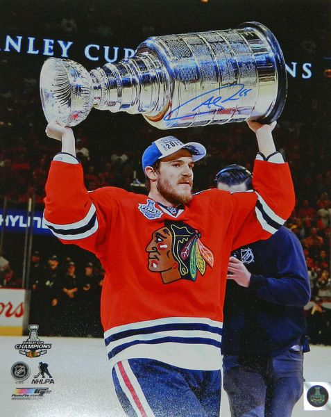 Andrew Shaw Signed Chicago Blackhawks 2015 Stanley Cup Champion Holding Trophy 16x20 Photo
