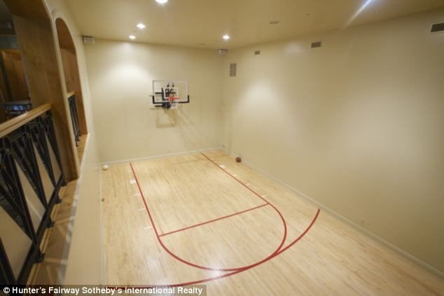 62 best images about indoor bb courts on pinterest for Built in basketball court