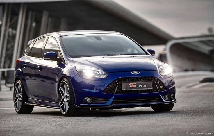 ford focus st mk3 in deep impact blue ford focus st. Black Bedroom Furniture Sets. Home Design Ideas