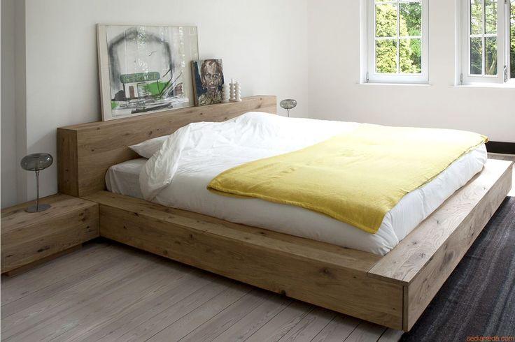 Madra | Letto matrimoniale con struttura in legno di rovere (misura XL: 217 x 242 cm - adatto a materasso 180 x 200 cm)