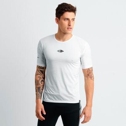 Usando a Camisa Mormaii Natural Soul UV Beach Branco você conta com extremo conforto durante os exercícios ao ar livre. Seu modelo possui proteção contra os raios UV, além de ser leve e flexível. | Netshoes