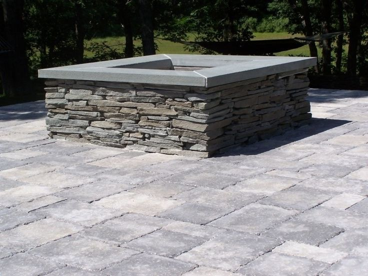 Stone patio with fire pit gas fire pit blue stone cap for Blue stone patio with fire pit