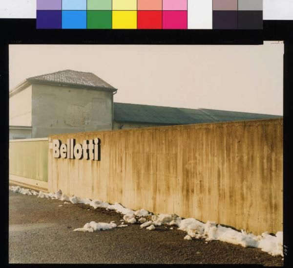 Guidi, Guido   Barlassina - stabilimento Bellotti - mura di cinta - complesso industriale - neve   Archivio dello Spazio