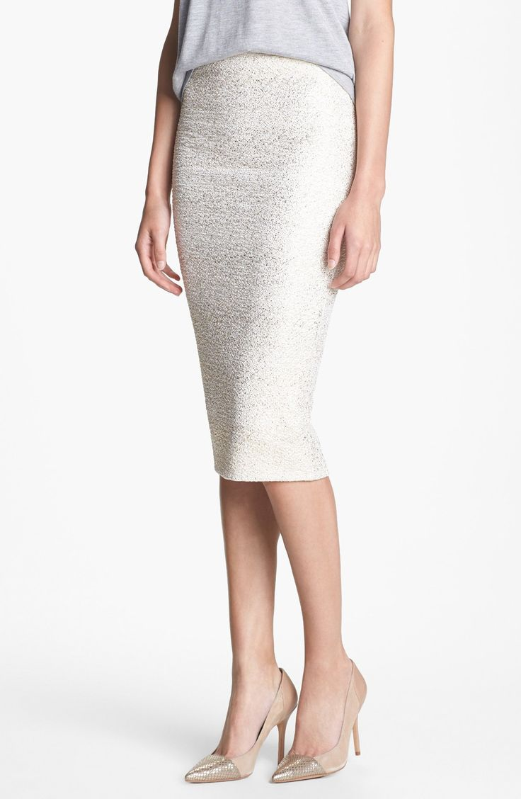 Loving this metallic gold pencil skirt for fall.