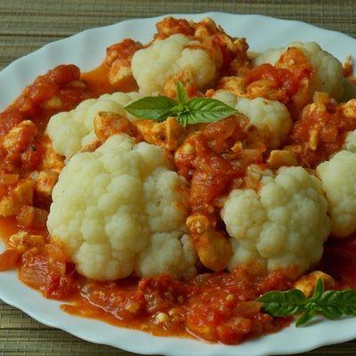 Kalafior w sosie pomidorowym - DoradcaSmaku.pl