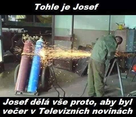 Máte pocit, že někdy vídáte podobné situace? Podle nás u Josefa v práci něco chybí...  http://www.success.cz/management/publikace/jak-sepsat-klobouky-pruvodce-uspesneho-manazera/