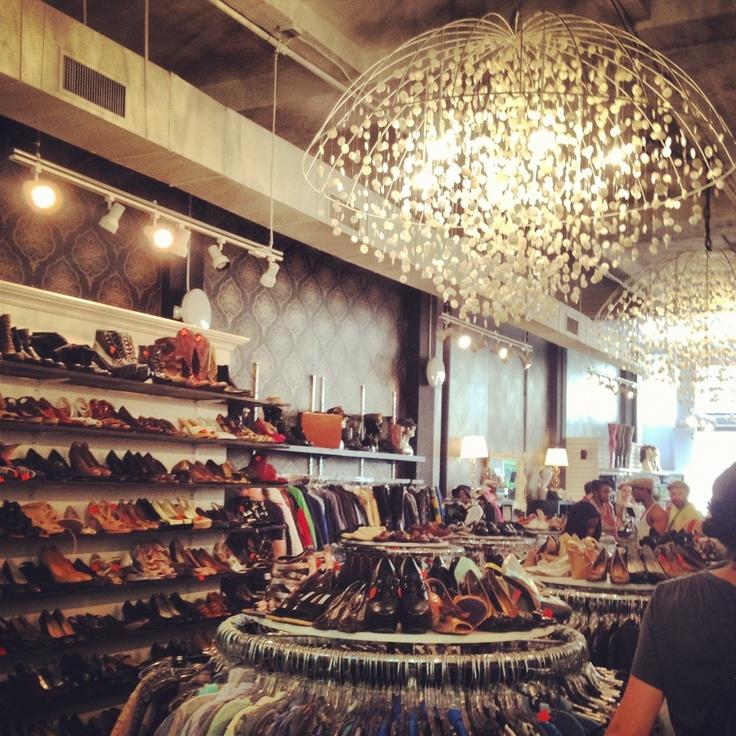 Vintage Shopping: Beacon's Closet, Greenwich Village
