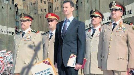 Vijf tips voor Basjar al-Assad - Buitenland - TROUW - Zeer leerzaam artikel voor historici en politicologen. Hoe kan een onpopulaire dictator zich toch handhaven.