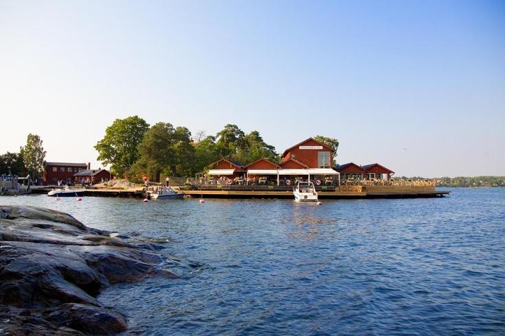 Fjäderholmarnas Krog & Magasin - Stockholms närmaste skärgårdskrog
