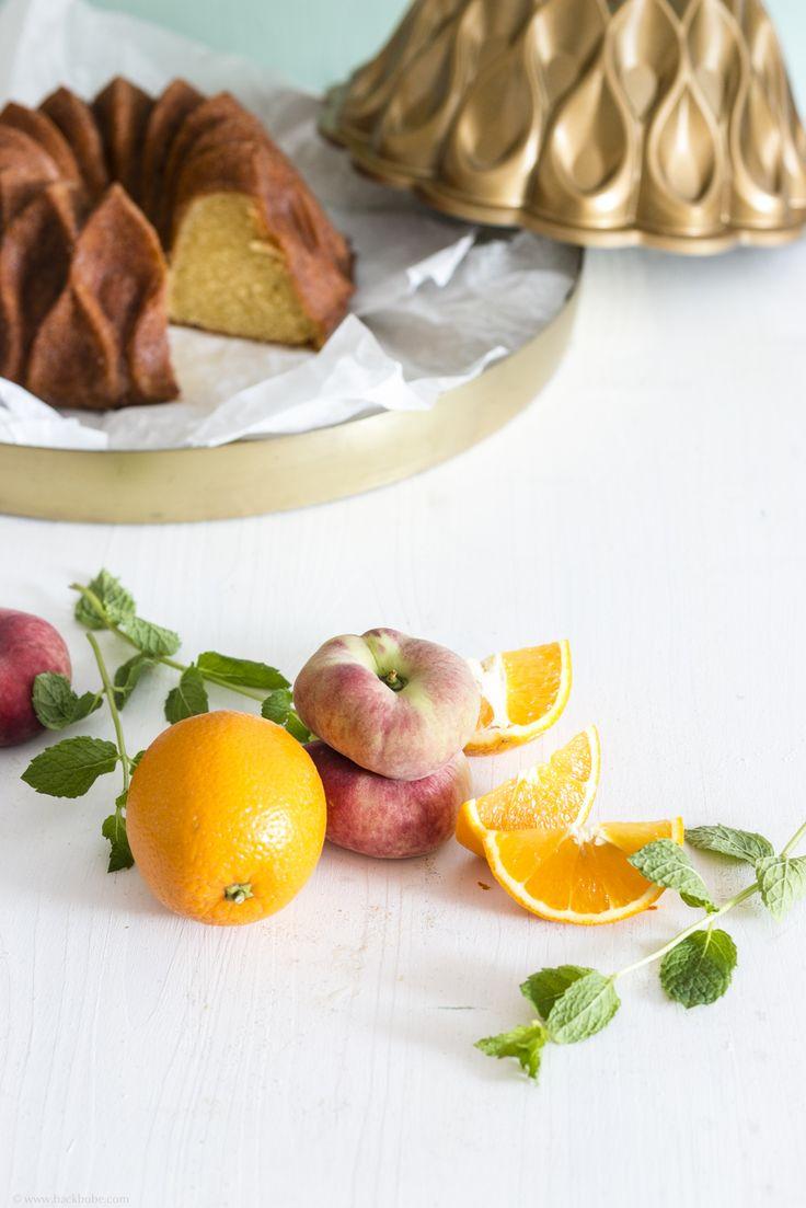 Orangengugelhupf mit Bergpfirsich-Minz-Sirup & 10 Fakten über Backformen - Foodblog www.backbube.com