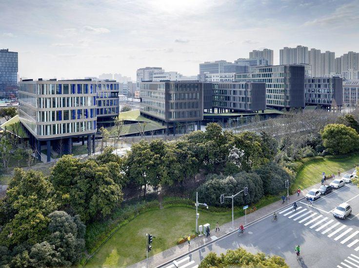 """漕河泾办公研发园区""""华鑫天地 """" / 法国雅克·费尔叶建筑事务所 http://www.gooood.hk/office-complex-horizon-caohejing-by-jacques-ferrier-architecture.htm"""