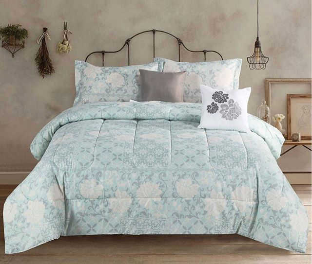 With Quilts Comforters And More We Ve Got You Covered From A To Zzz Bedding Beddingsets Comfortersets Bedroomdecor Bedroomideas Homedecor Bed Comforters