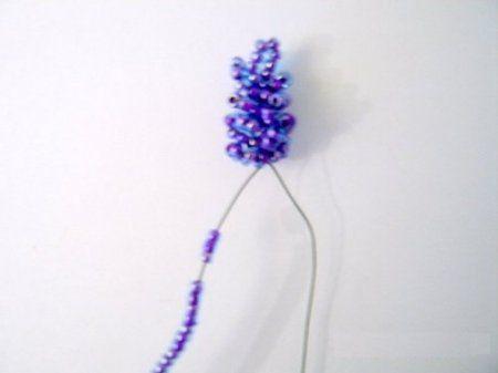 Цветок из бисера:мастер класс по плетению лаванды