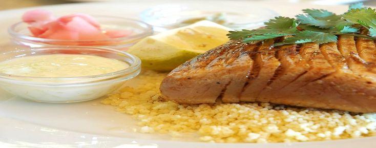 Bistecca di tonno con cous cous all' arancia - Ristorante La Cicala