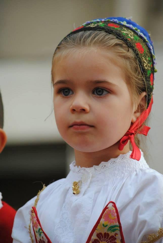 ne   Sardinian child girl from Ovodda (Nuoro)   Sardinians Sardinia Sardinian People