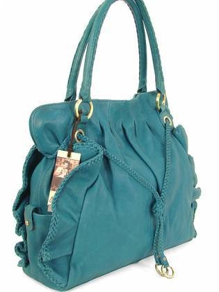 Thinking I need a TEAL purse for fall ;))