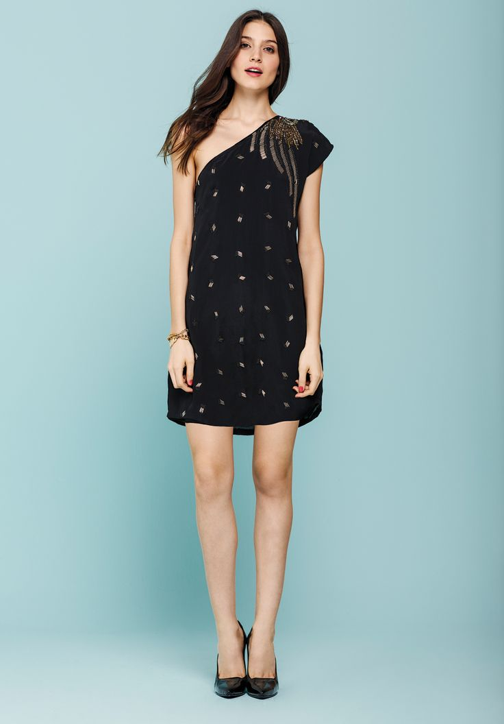 vestido creuza. pulsera betania. stiletto ipanema.  http://estore.vitamina.com.ar/lookbook/look-35.html