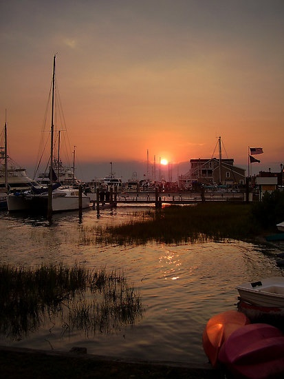 "Beaufort, NC - Beaufort Waterfront - a friend lives nearby on his own island. such a pretty part of the us. the ""lowcountry"" has a smell all its own. at first, i didn't like it: salty, muddy. after about a day, i loved it. now, i crave the smell and the pace of the lowcountry."