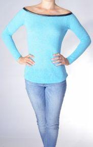 Sweterek Off-shoulders. Cocomero