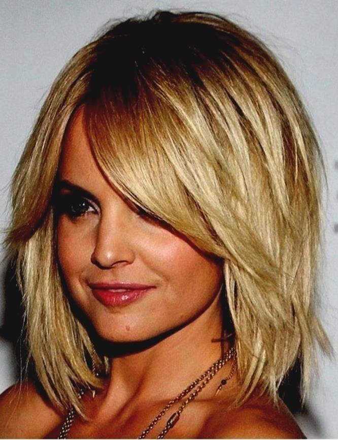 Frisuren 2020 Stufenschnitt Frisuren Kurz 2020 In 2020 Frisuren Haarschnitte Bob Frisur Frisuren Kurz