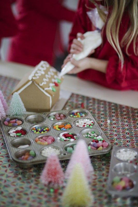 Gingerbread House Party - Christmas Inc  #christmas #christmastime #xmas #xmastime #christmasideas #christmasdecorations #christmasdecor #christmastime #christmasparty #christmassy #christmasidea #christmasparties #gingerbread #christmasblog #christmascountdown #gingerbreadparty #christmasiscoming #kidsparty #christmasblog #christmascountdown #love #christmasiscoming #kidsparties #party #partyideas #christmasparties #gingerbreadhouse